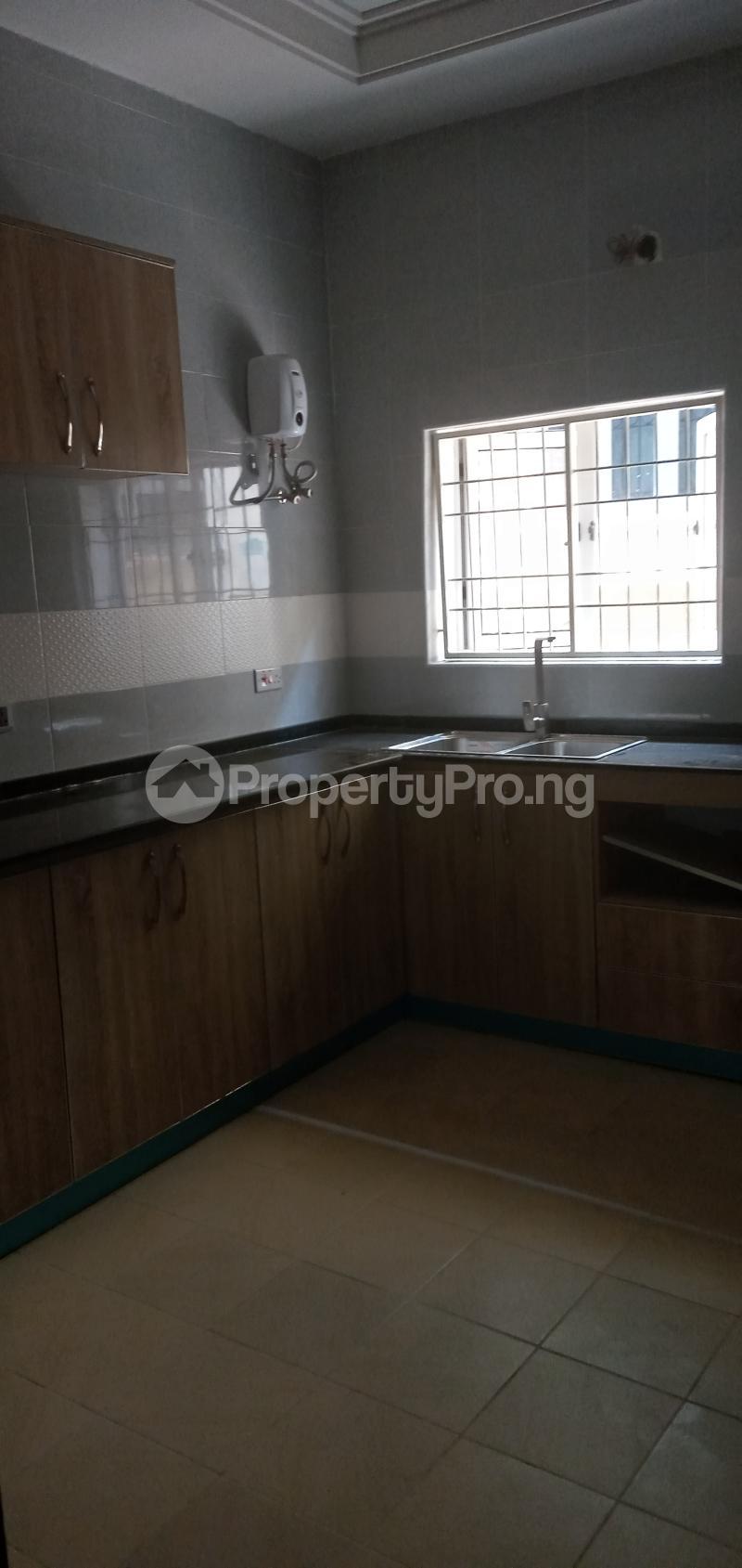 4 bedroom Terraced Duplex House for sale Close To Nnpc Guzape Guzape Abuja - 5