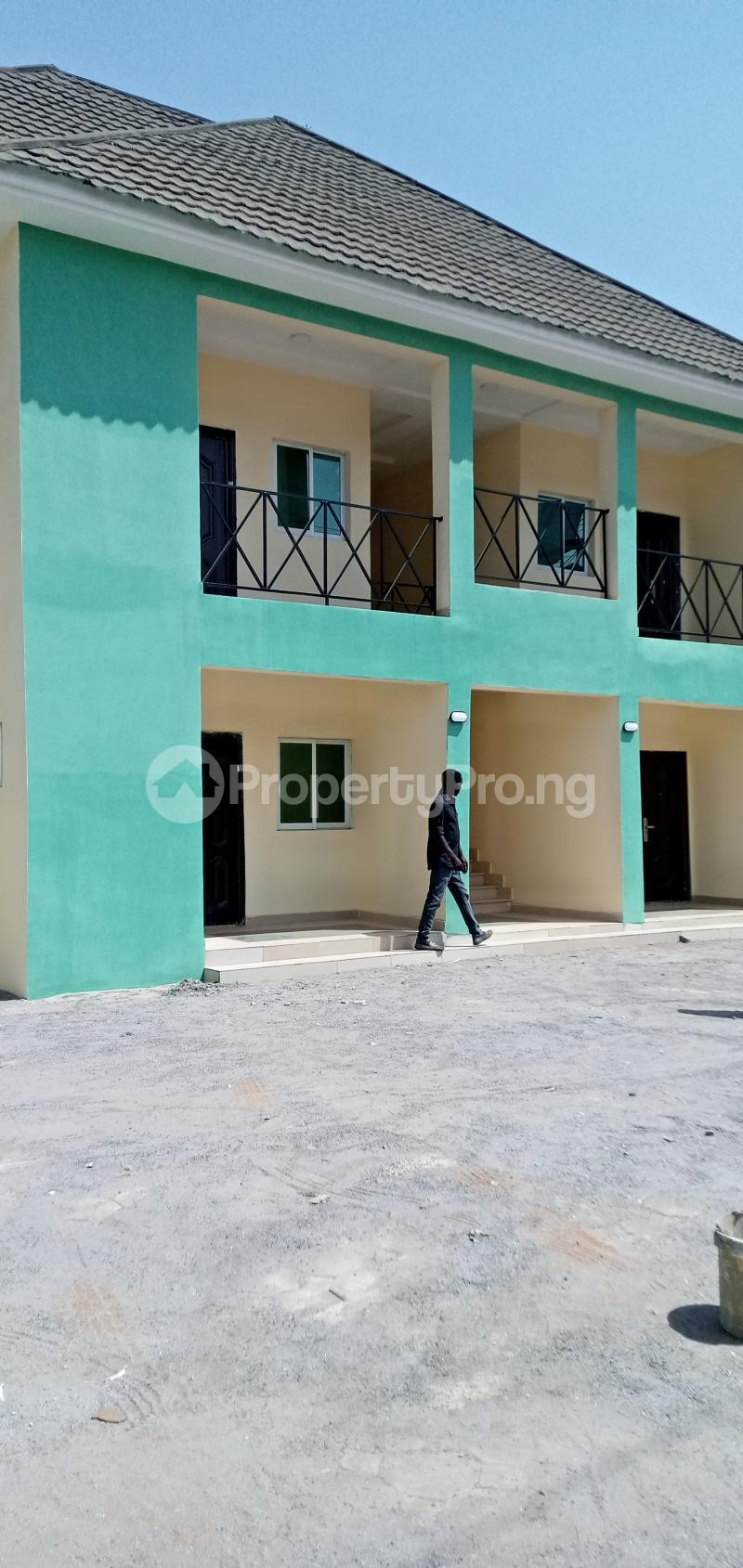 2 bedroom Blocks of Flats House for rent American International School Durumi Abuja - 7