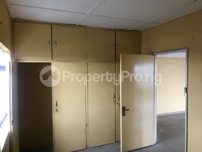 2 bedroom Shared Apartment for rent Obanikoro Shomolu Lagos - 6