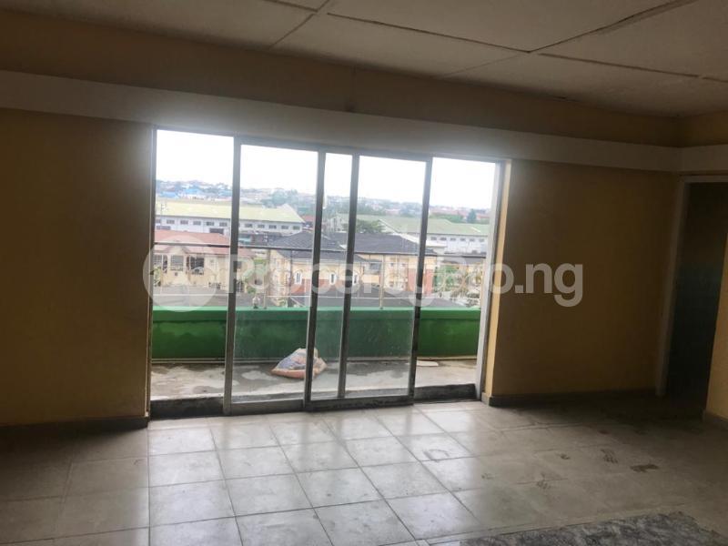 2 bedroom Shared Apartment for rent Obanikoro Shomolu Lagos - 1