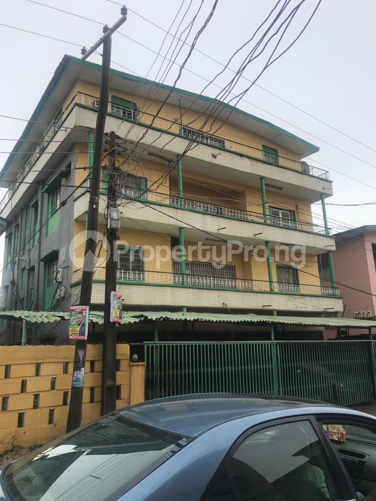 2 bedroom Shared Apartment for rent Obanikoro Shomolu Lagos - 0