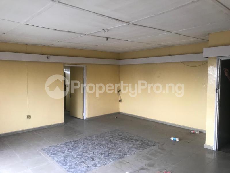 2 bedroom Shared Apartment for rent Obanikoro Shomolu Lagos - 3