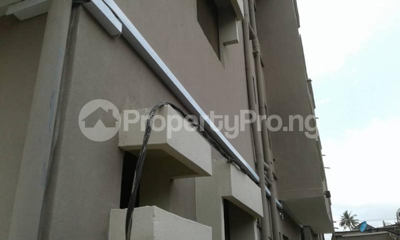 3 bedroom Flat / Apartment for rent olawaye  estate Omole phase 2 Ojodu Lagos - 12