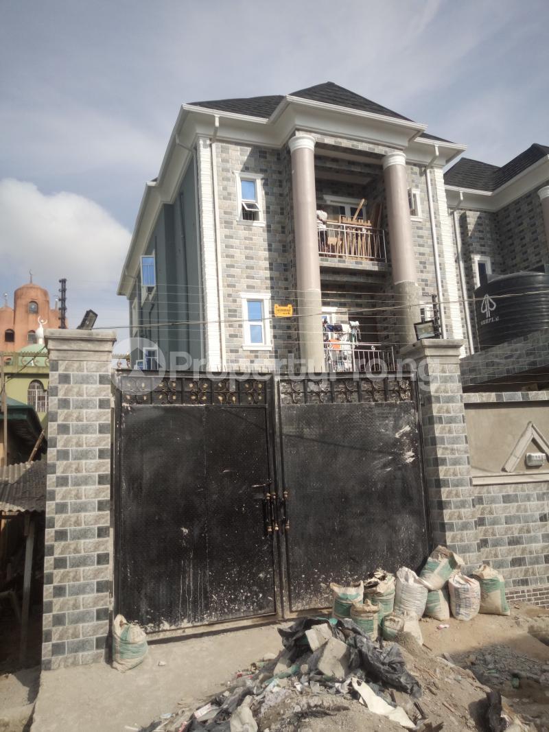 3 bedroom Flat / Apartment for rent Off Oworo road, oworo Kosofe Kosofe/Ikosi Lagos - 0