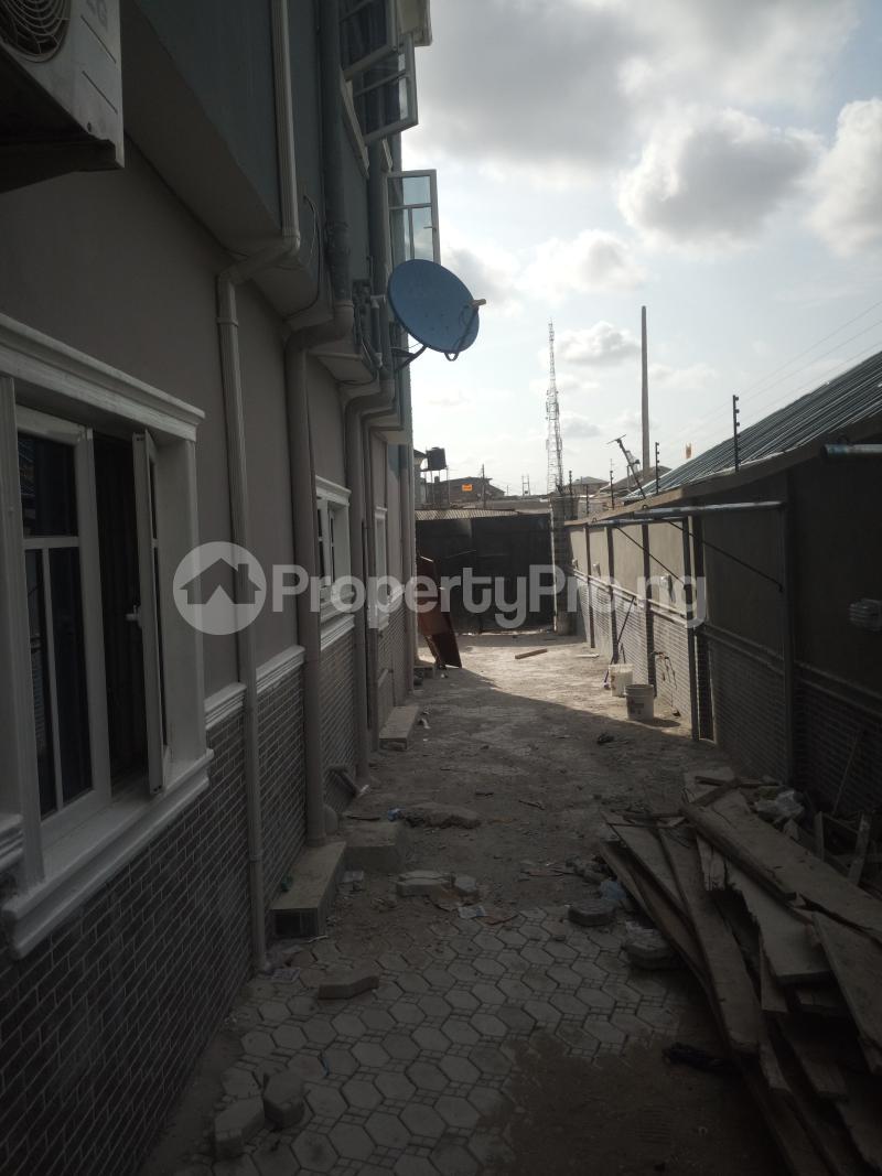 3 bedroom Flat / Apartment for rent Off Oworo road, oworo Kosofe Kosofe/Ikosi Lagos - 3
