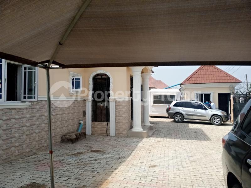 4 bedroom Detached Bungalow House for sale Located in a serene estate along living faith Church, Amac market area Lugbe Abuja - 0