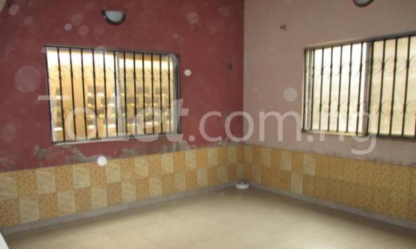 4 bedroom Detached Bungalow House for sale Kwara Quarters; Behind World Oil Filling Station, Ibafo Obafemi Owode Ogun - 3