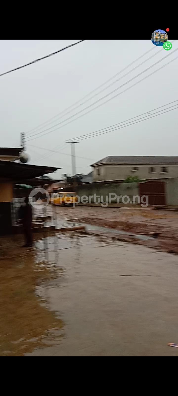 10 bedroom Detached Bungalow for sale Off Olanrewaju Street Akesan Isheri Igando Lasu Rd Akesan Alimosho Lagos - 4