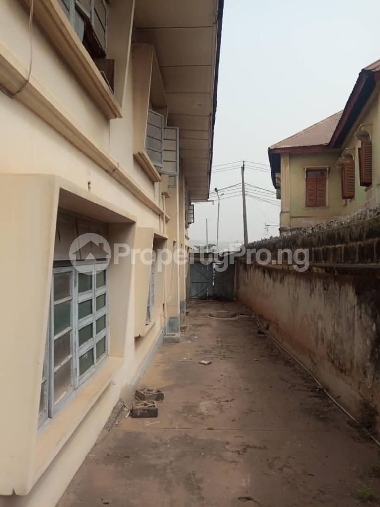 10 bedroom Blocks of Flats for sale Wateco Oke ado Ibadan Oyo - 1