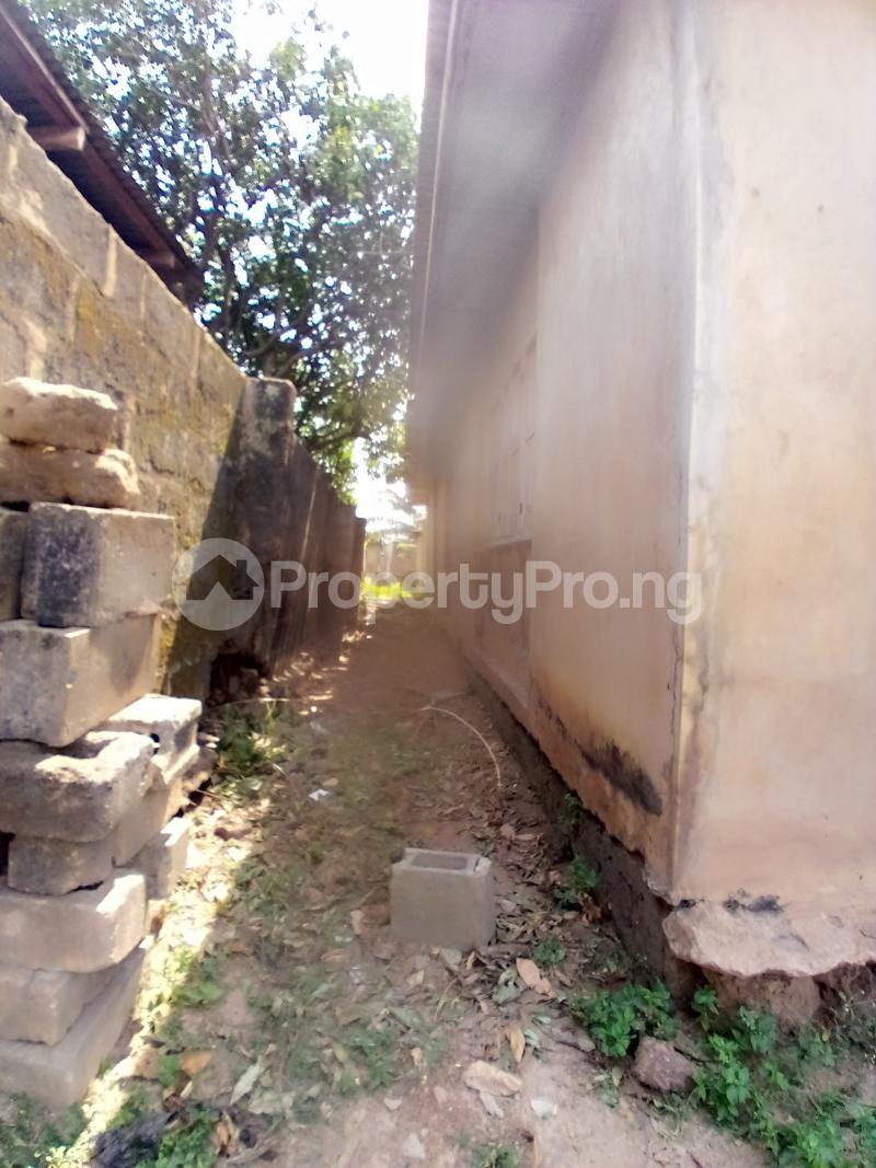8 bedroom Detached Bungalow for sale Behind Zumuratul Hijaj School, Muslim Ibadan Oyo - 7