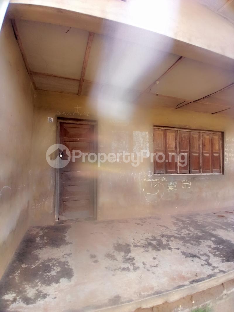 8 bedroom Detached Bungalow for sale Behind Zumuratul Hijaj School, Muslim Ibadan Oyo - 6