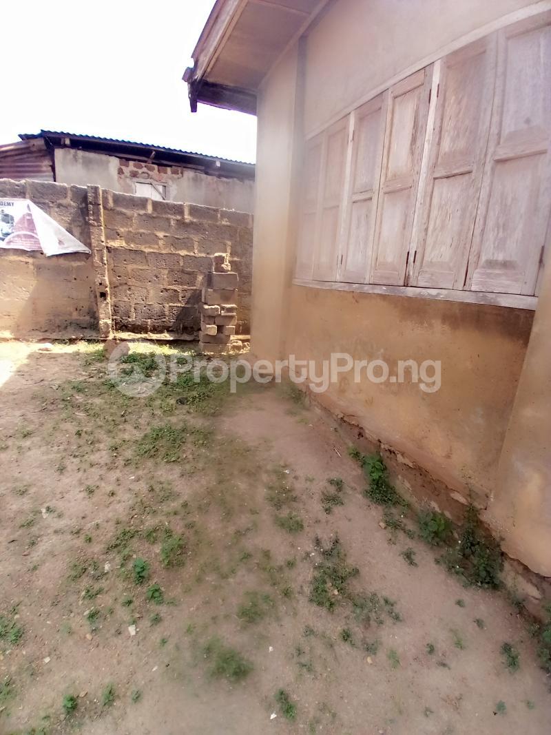 8 bedroom Detached Bungalow for sale Behind Zumuratul Hijaj School, Muslim Ibadan Oyo - 8