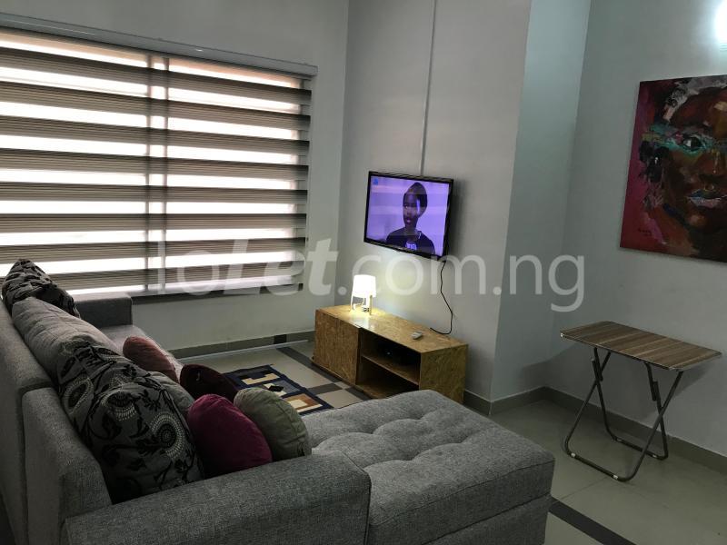 1 bedroom mini flat  Mini flat Flat / Apartment for shortlet Dideolu Estate, Ligali Ayorinde Victoria Island Lagos - 4