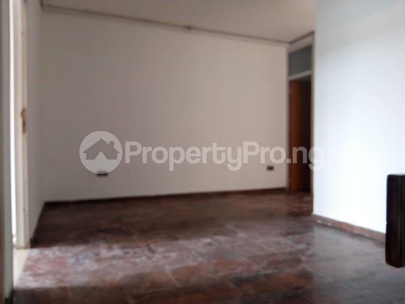 3 bedroom Shared Apartment Flat / Apartment for sale Ozumba Nbadiwe 1004 Victoria Island Lagos - 2
