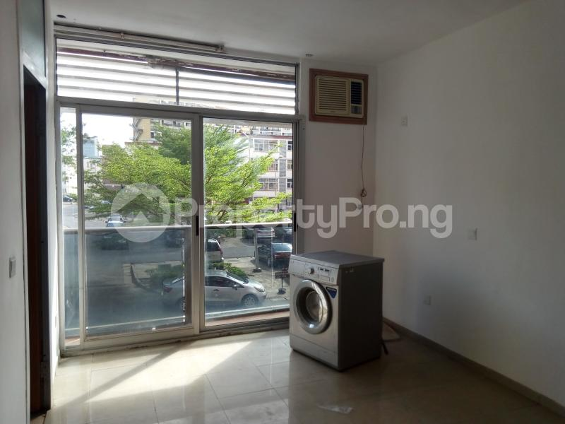 3 bedroom Shared Apartment Flat / Apartment for sale Ozumba Nbadiwe 1004 Victoria Island Lagos - 11