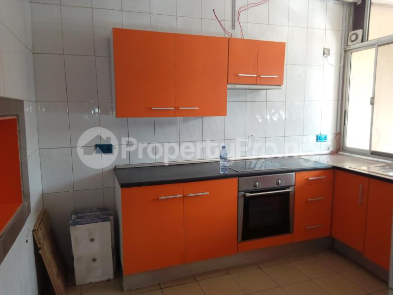 3 bedroom Shared Apartment Flat / Apartment for sale Ozumba Nbadiwe 1004 Victoria Island Lagos - 5