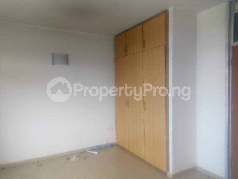 3 bedroom Shared Apartment Flat / Apartment for sale Ozumba Nbadiwe 1004 Victoria Island Lagos - 3