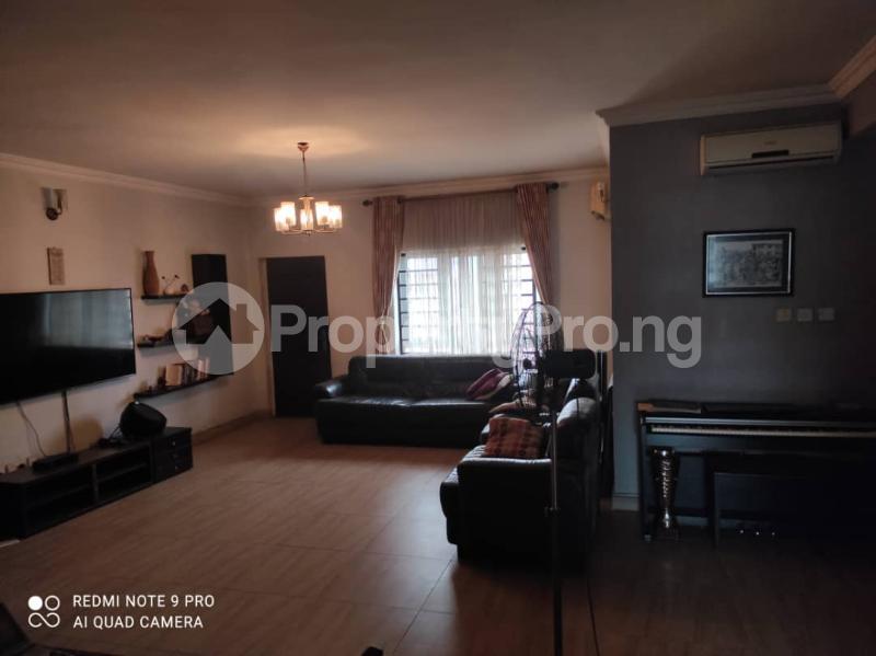 3 bedroom Blocks of Flats for rent Jacob Mews Estate Alagomeji Yaba Lagos - 1