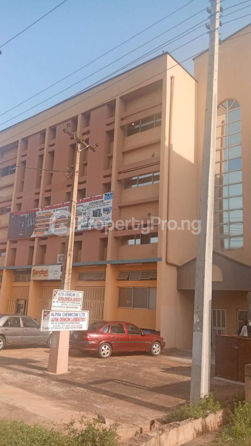 2 bedroom Office Space Commercial Property for rent ALONG CONSTITUTION ROAD,NEAR AHMADU BELLO STADIUM,LG SHOW ROOM,KEMSAFE COMPUTERS. Kaduna North Kaduna - 0