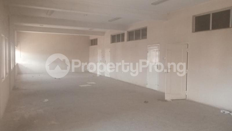 2 bedroom Office Space Commercial Property for rent ALONG CONSTITUTION ROAD,NEAR AHMADU BELLO STADIUM,LG SHOW ROOM,KEMSAFE COMPUTERS. Kaduna North Kaduna - 3