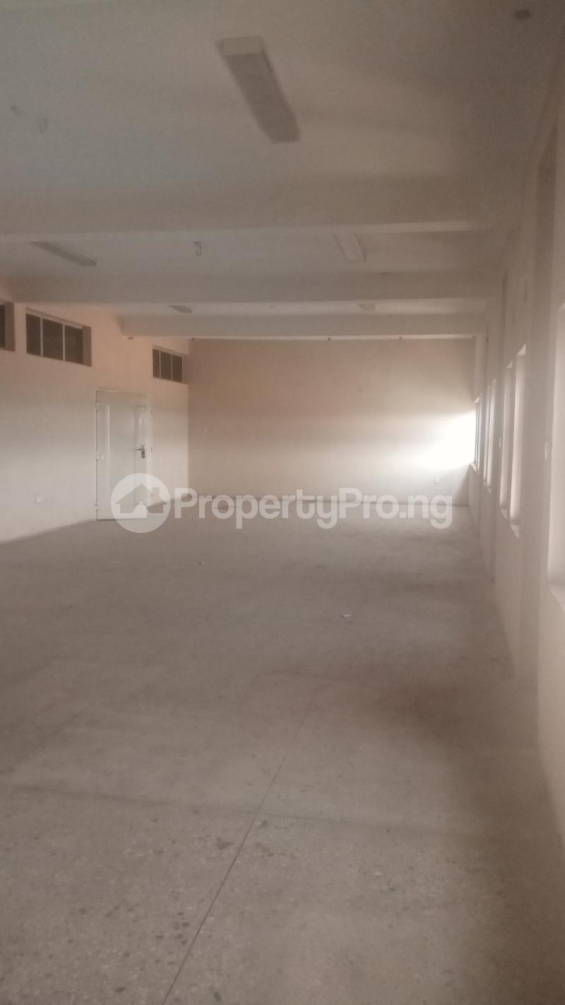 2 bedroom Office Space Commercial Property for rent ALONG CONSTITUTION ROAD,NEAR AHMADU BELLO STADIUM,LG SHOW ROOM,KEMSAFE COMPUTERS. Kaduna North Kaduna - 4