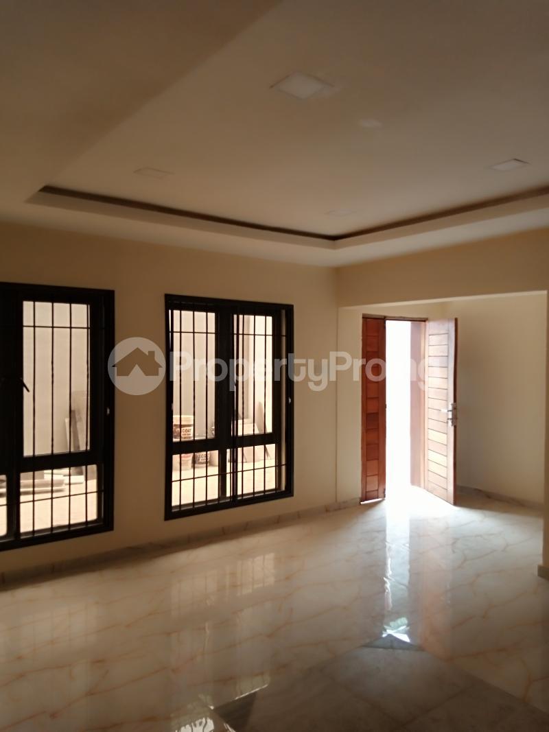 2 bedroom Flat / Apartment for rent Estate Adeniyi Jones Ikeja Lagos - 10