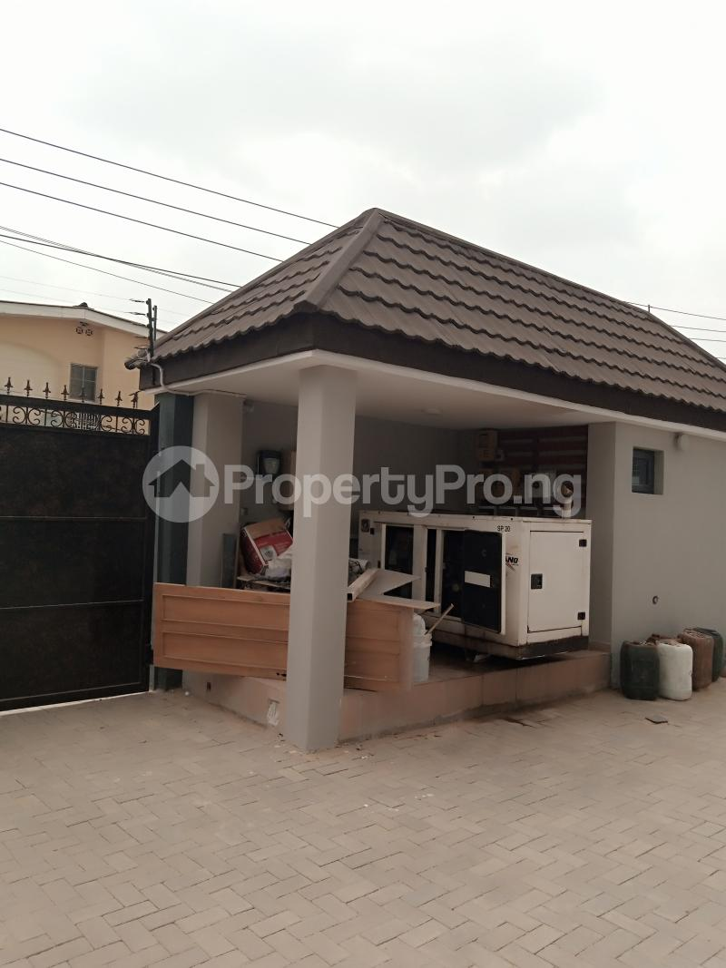 2 bedroom Flat / Apartment for rent Estate Adeniyi Jones Ikeja Lagos - 3