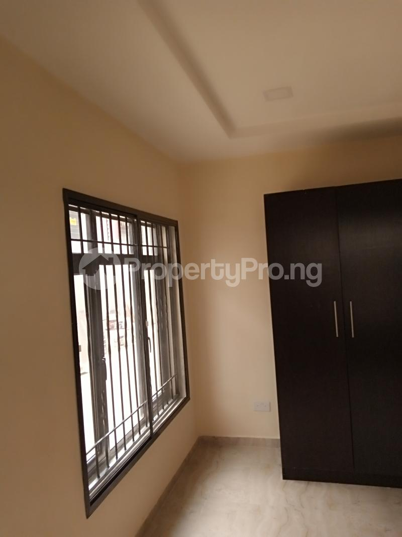 2 bedroom Flat / Apartment for rent Estate Adeniyi Jones Ikeja Lagos - 8