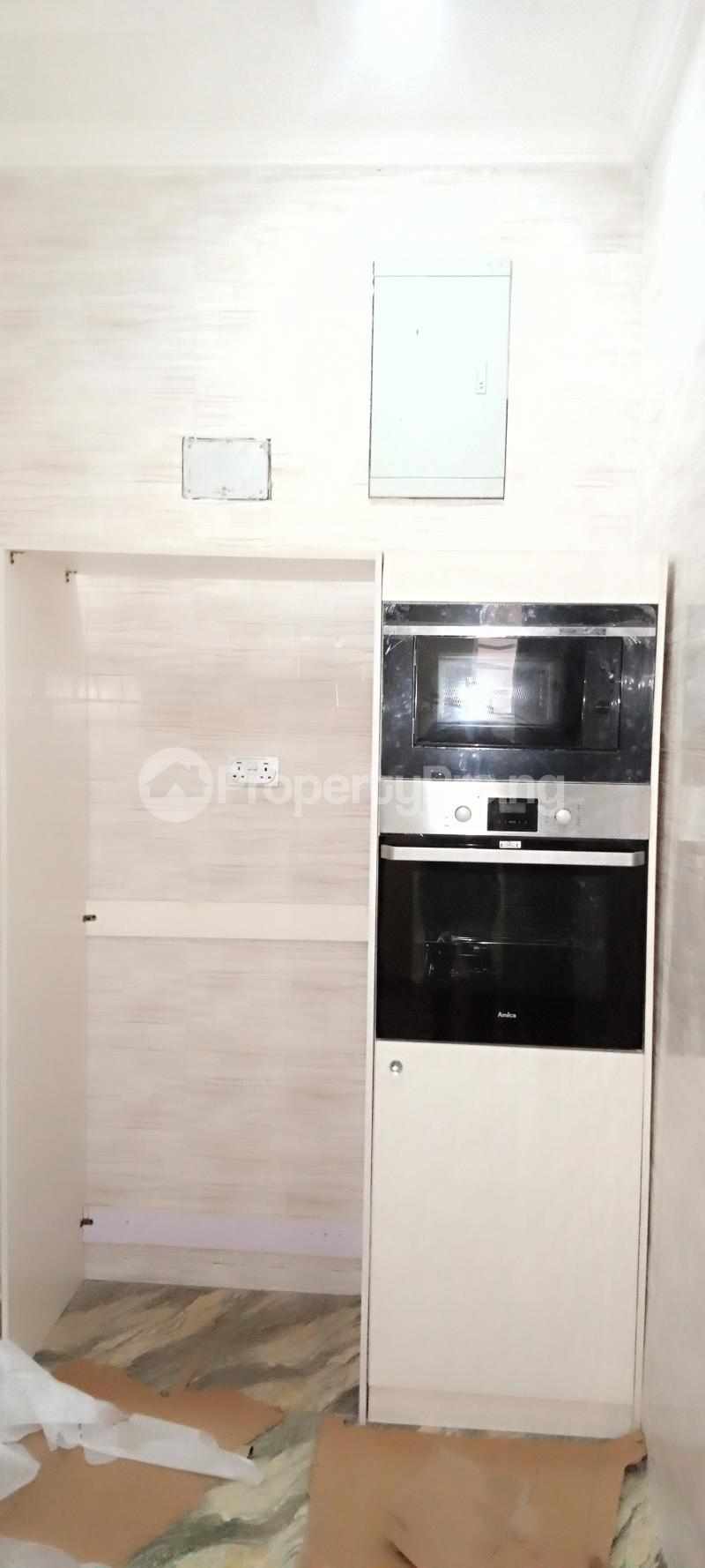 4 bedroom Semi Detached Duplex House for rent Jones Avenue Adeniyi Jones Ikeja Lagos - 3