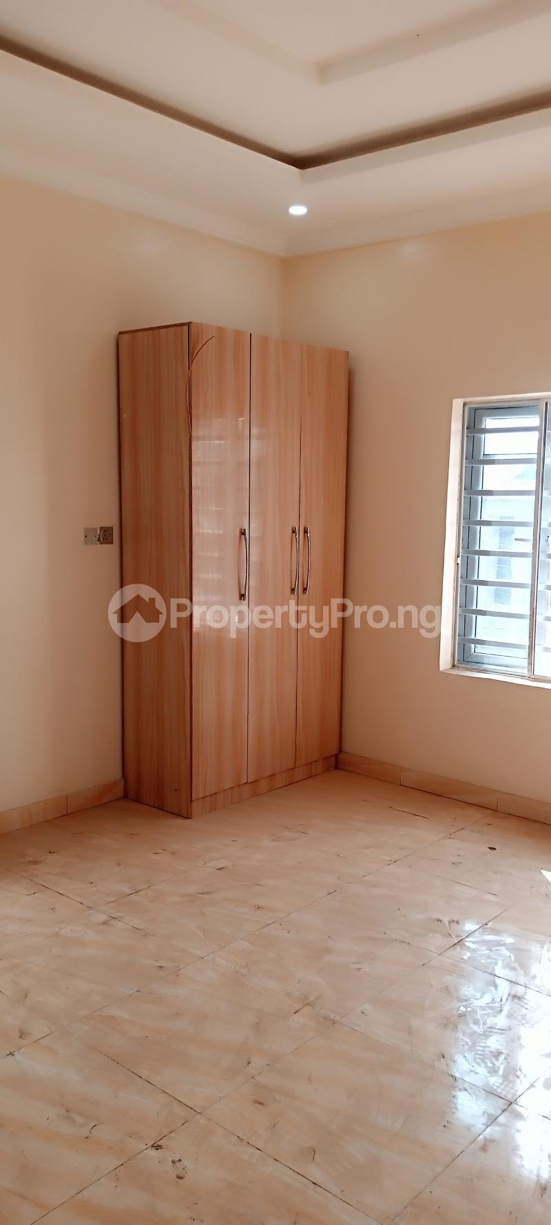 4 bedroom Semi Detached Duplex House for rent Jones Avenue Adeniyi Jones Ikeja Lagos - 18