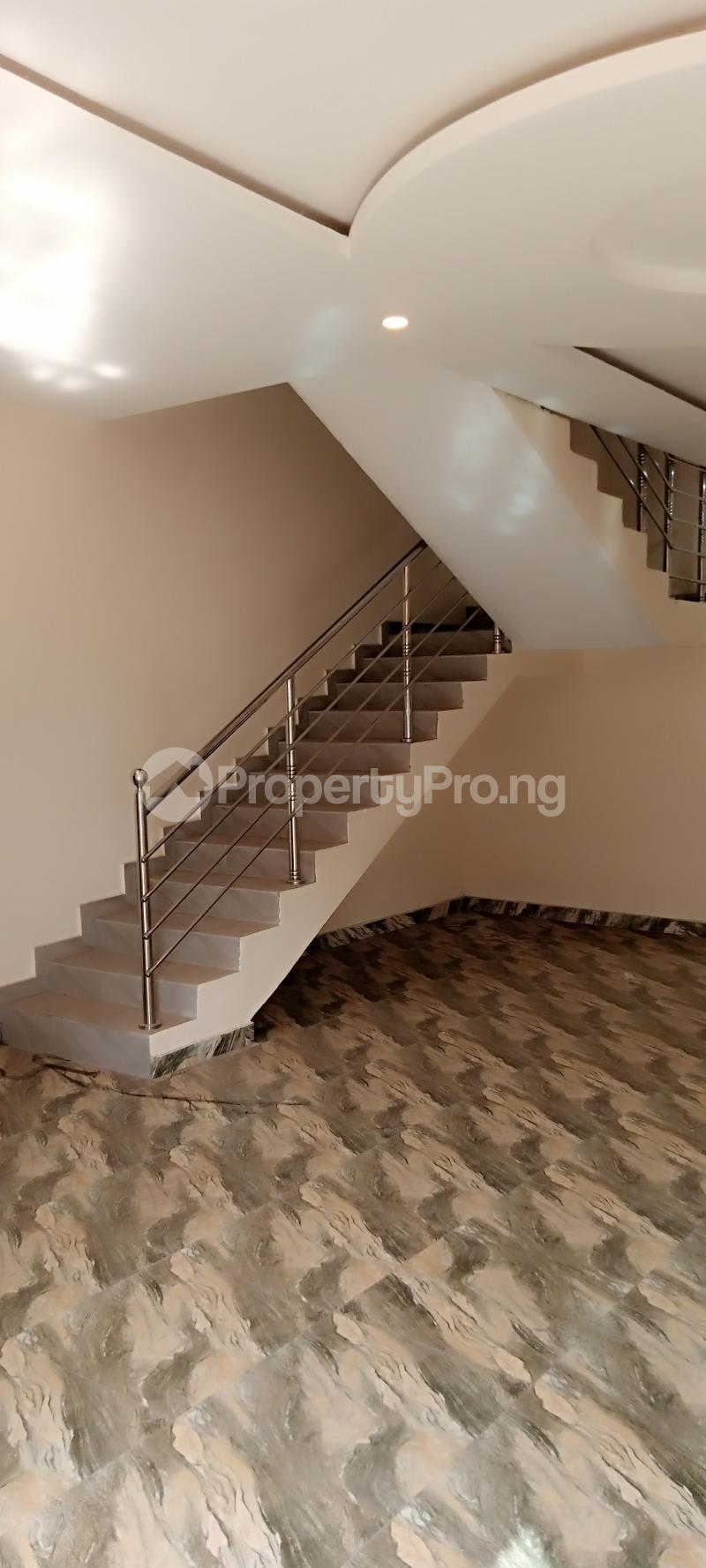 4 bedroom Semi Detached Duplex House for rent Jones Avenue Adeniyi Jones Ikeja Lagos - 10