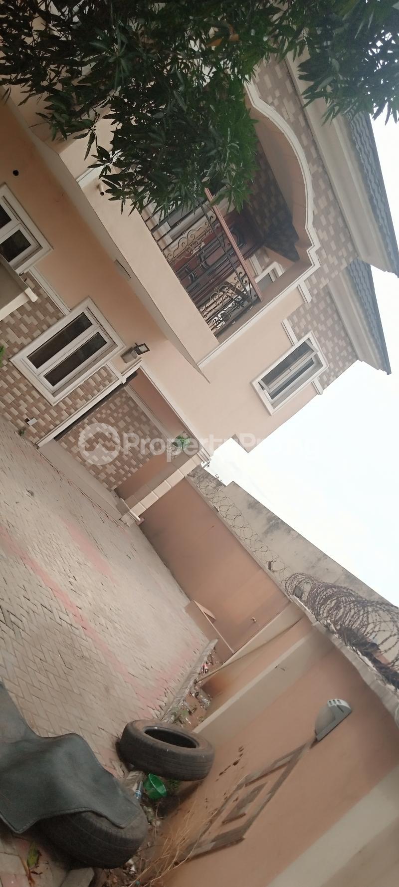 5 bedroom House for rent Estate drive Omole phase 2 Ojodu Lagos - 1