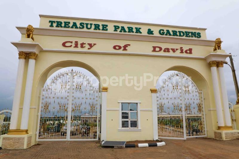 Residential Land for sale Alekunifesowapo Odogbolu Ogun - 0