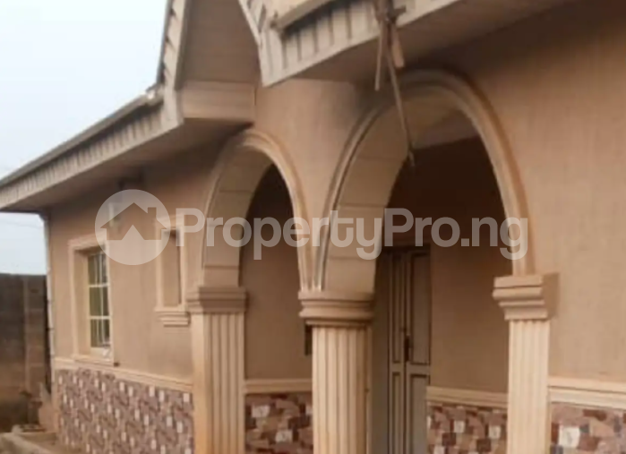 3 bedroom Flat / Apartment for sale - Moniya Ibadan Oyo - 3