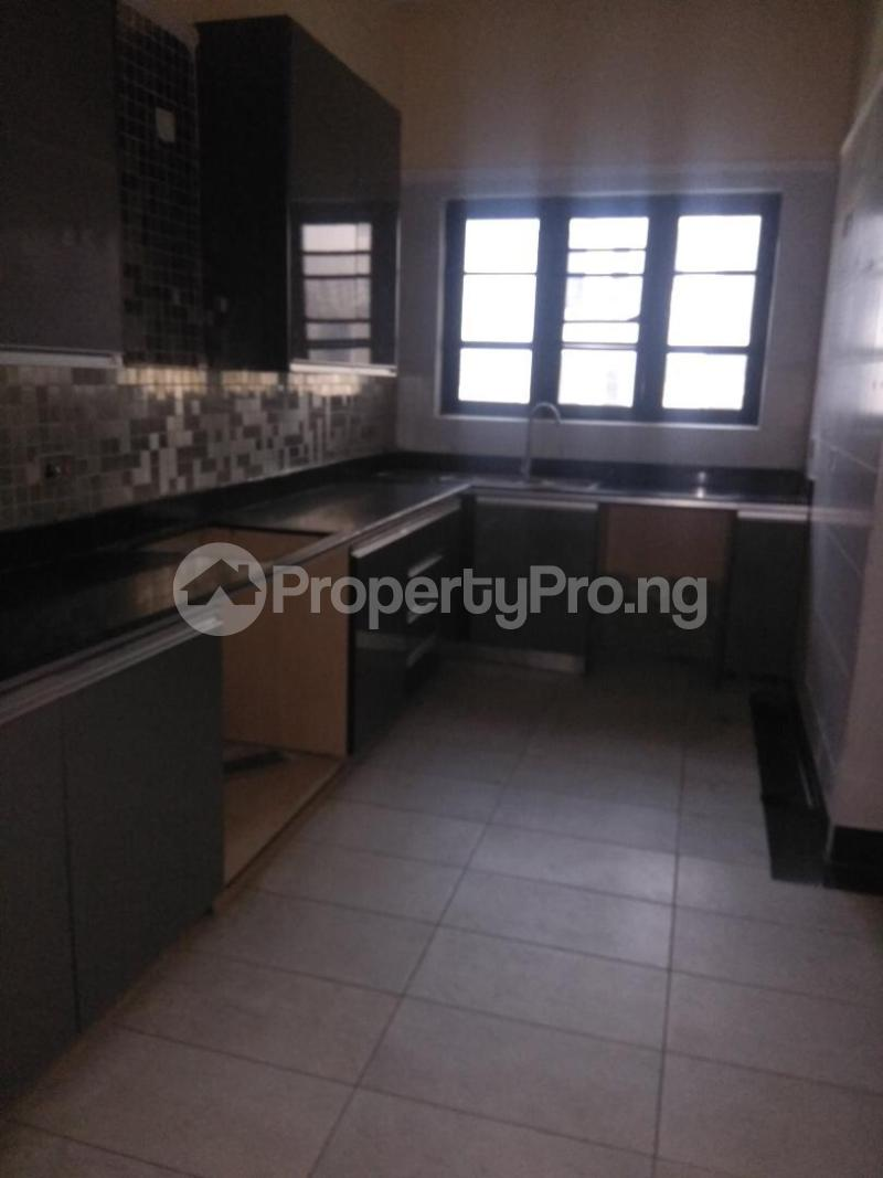 2 bedroom Flat / Apartment for rent Coconut groove estate ONIRU Victoria Island Lagos - 4