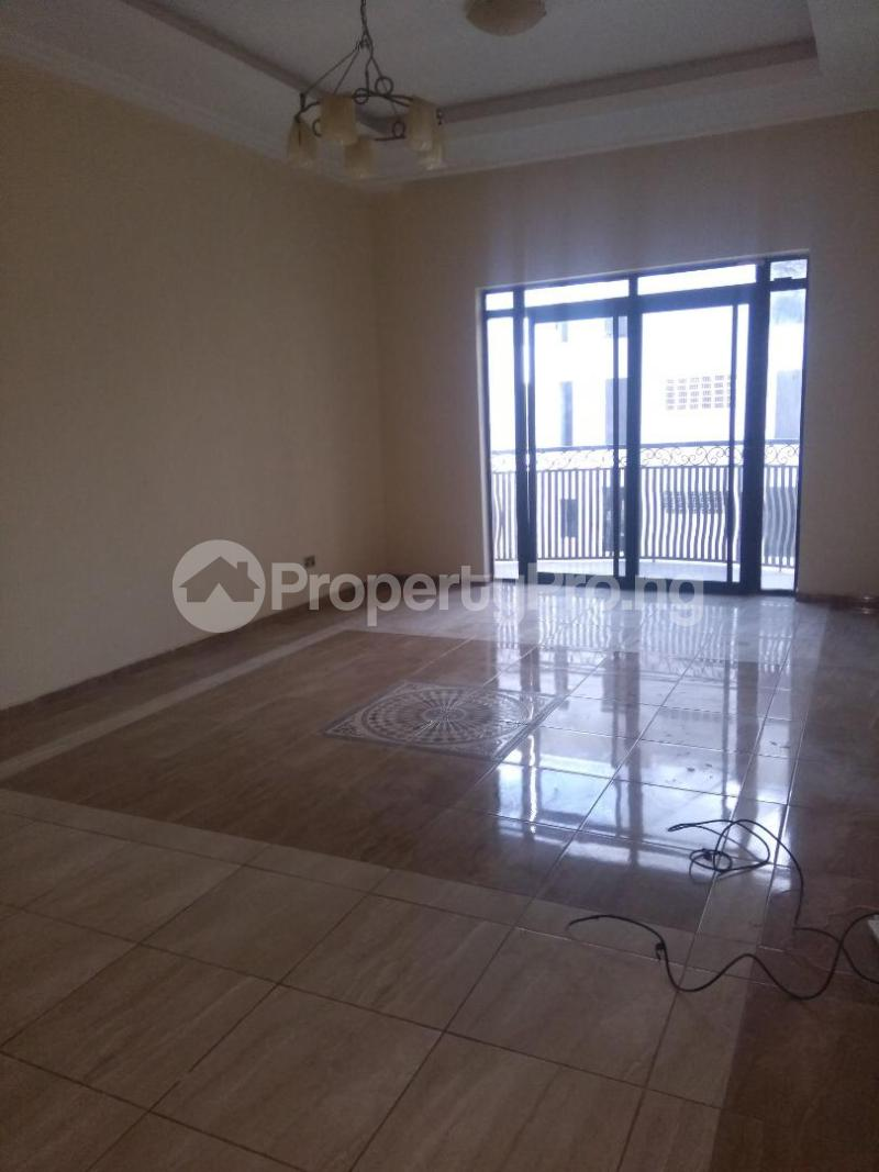 2 bedroom Flat / Apartment for rent Coconut groove estate ONIRU Victoria Island Lagos - 3