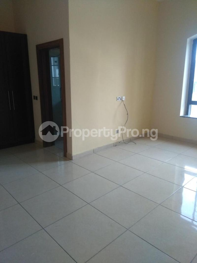 2 bedroom Flat / Apartment for rent Coconut groove estate ONIRU Victoria Island Lagos - 5