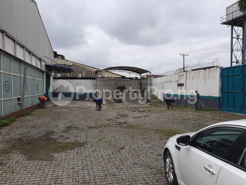 Church Commercial Property for sale Along Oshodi express way Oshodi Expressway Oshodi Lagos - 3