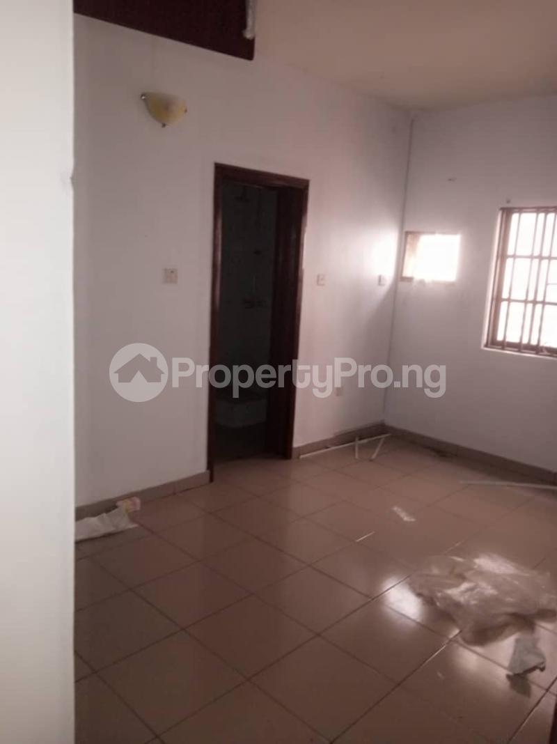 3 bedroom Flat / Apartment for rent Alagomeji Yaba Lagos - 7