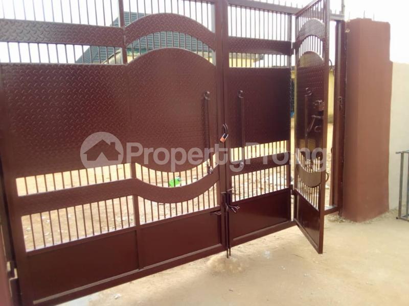 6 bedroom Detached Bungalow House for sale Elepe ijede Ijede Ikorodu Lagos - 5