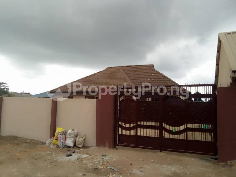 6 bedroom Detached Bungalow House for sale Elepe ijede Ijede Ikorodu Lagos - 7