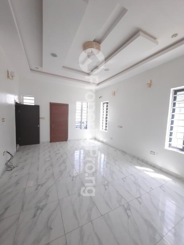 4 bedroom Semi Detached Duplex for sale Alternative Road Chevron Lekki Lagos State Nigeria chevron Lekki Lagos - 3