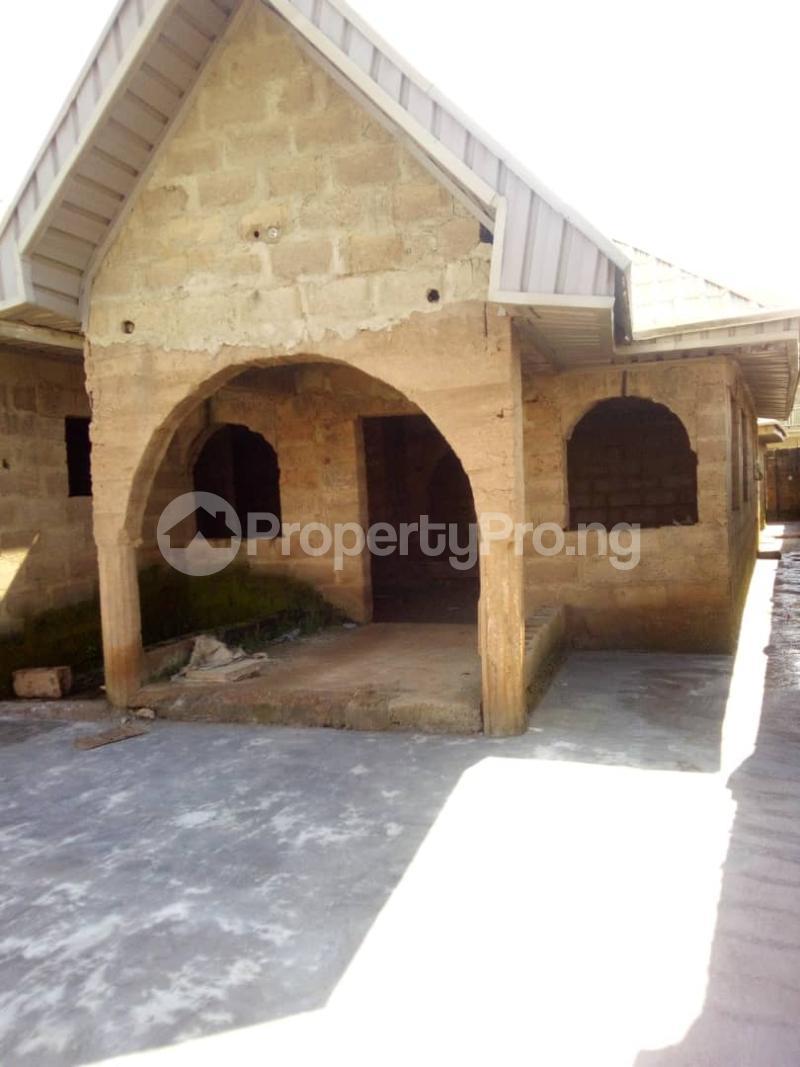 3 bedroom Semi Detached Bungalow House for sale Ologuneru, Ibadan Ibadan Oyo - 1