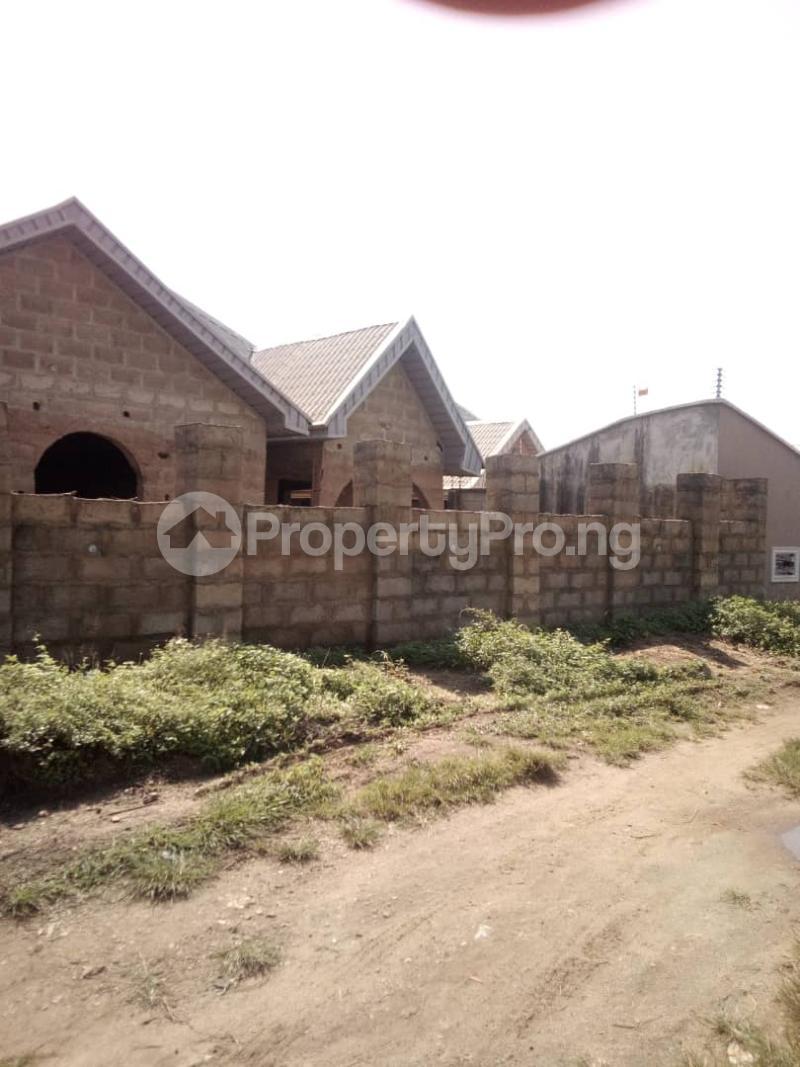 3 bedroom Semi Detached Bungalow House for sale Ologuneru, Ibadan Ibadan Oyo - 3