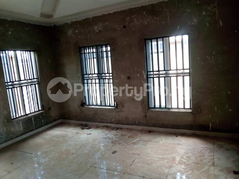 3 bedroom Detached Bungalow for sale Akinjole Oluwo, New Ife Road. Egbeda Oyo - 3