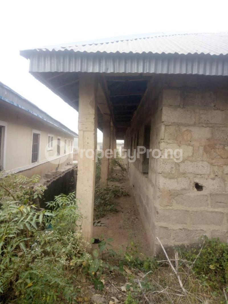 10 bedroom Flat / Apartment for sale Close To Uniosun Ikire Campus Aiyedire Osun - 5
