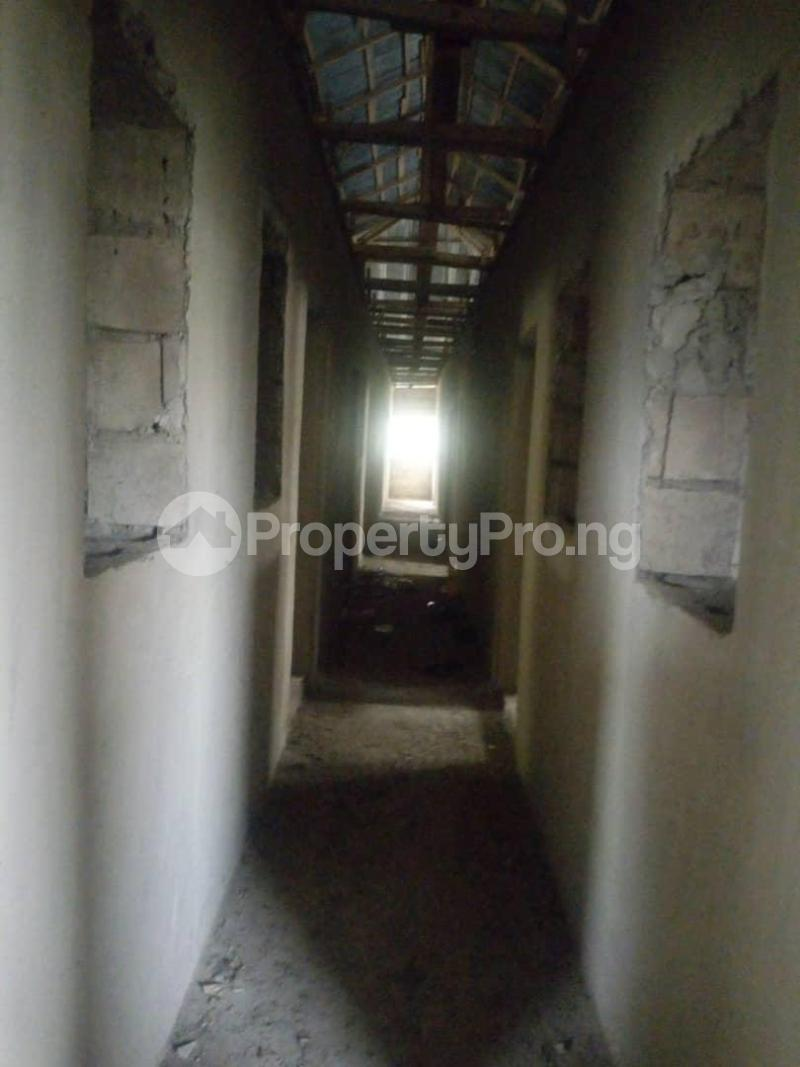 10 bedroom Flat / Apartment for sale Close To Uniosun Ikire Campus Aiyedire Osun - 2