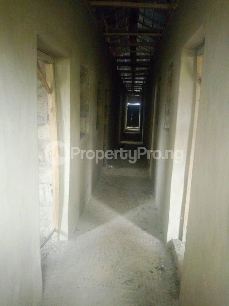 10 bedroom Flat / Apartment for sale Close To Uniosun Ikire Campus Aiyedire Osun - 6