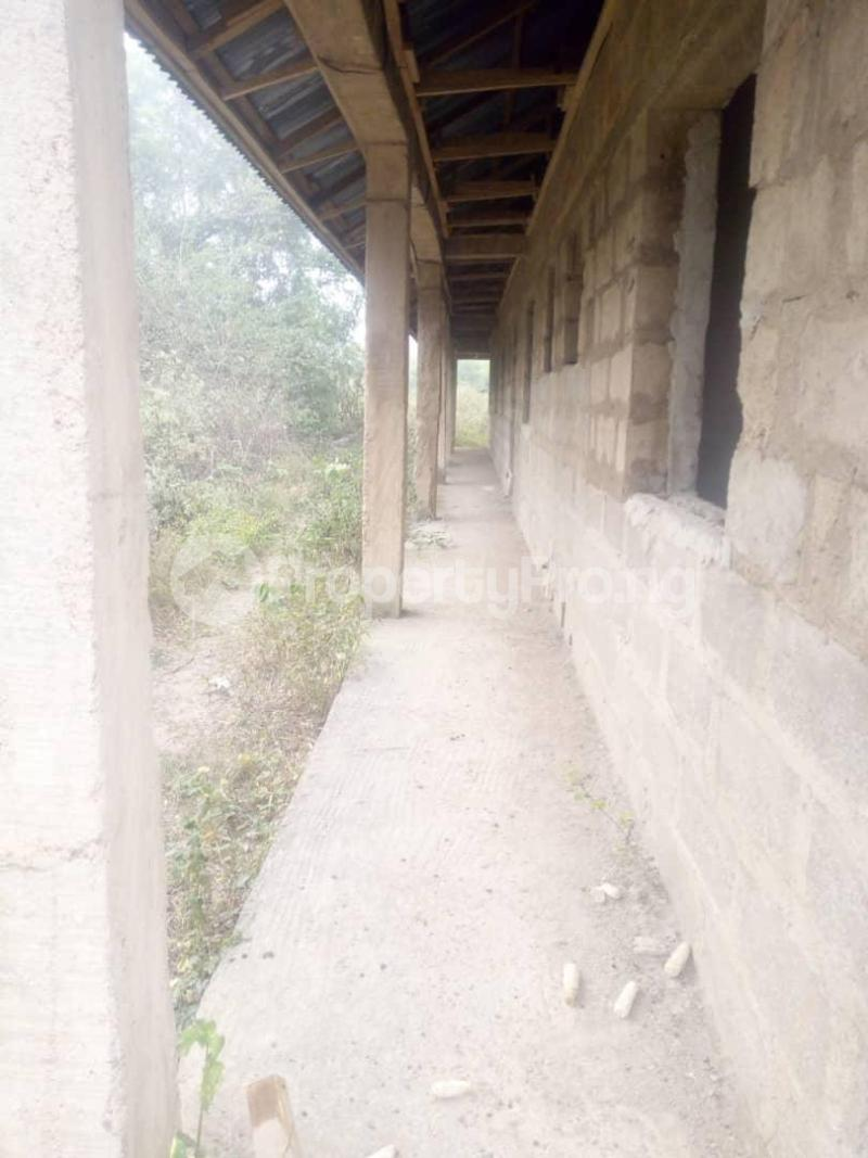 10 bedroom Flat / Apartment for sale Close To Uniosun Ikire Campus Aiyedire Osun - 4
