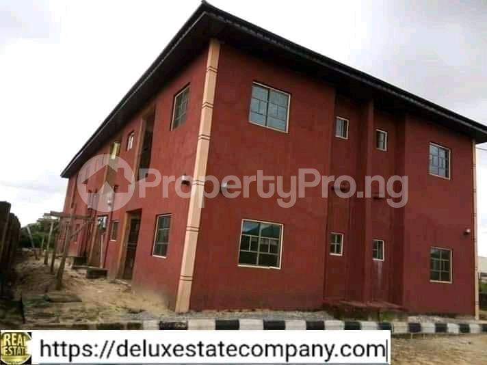 9 bedroom Mini flat for sale At Fupre School Ugbomro,warri Delta State Warri Delta - 2